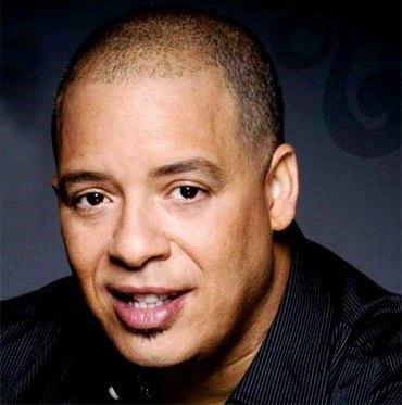 Rostro del cantante Isaac Delgado