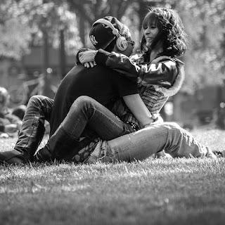 Cuando estás enamorada haces planes para el futuro junto a él, tienes completa disposición para ayudarlo y darle lo mejor.