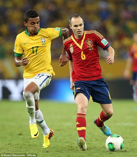 Luiz Gustavo mỏ neo của tàu vàng-xanh