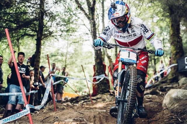 2016 Fort William UCI World Cup Downhill: Qualifying Highlights Rachel Atherton