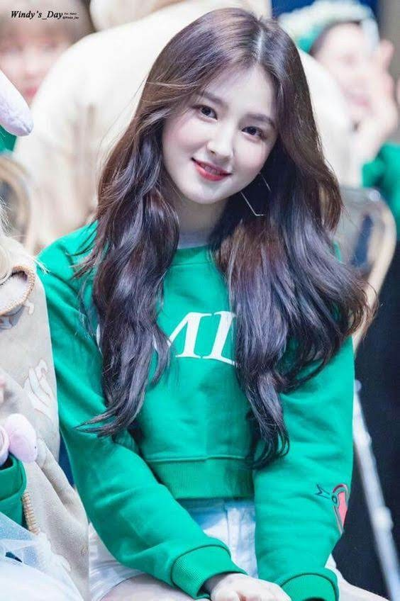 Nancy-Jewel-Mcdonie-Momoland-2