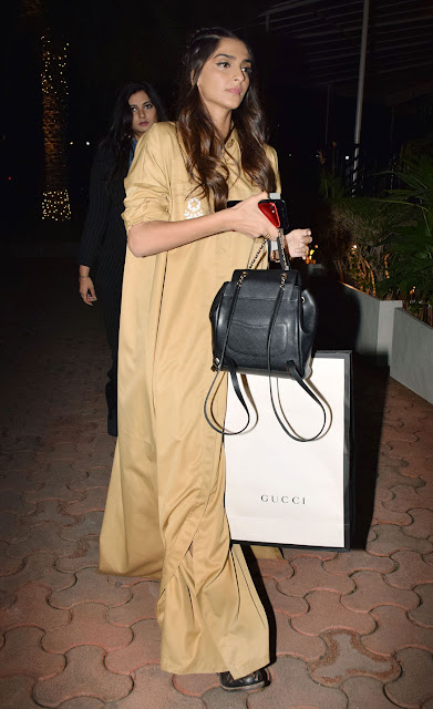 Sonam-Kapoor-arrives-Masaba-gupta-birthday
