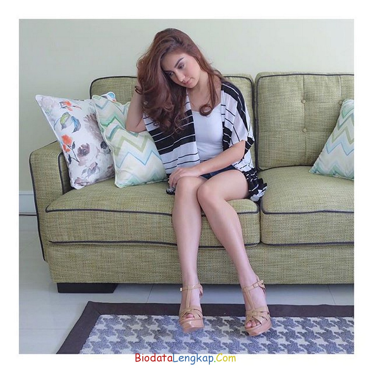 Instagram Irish Bella - Pemeran Naura di Sinetron Anugerah Cinta ...