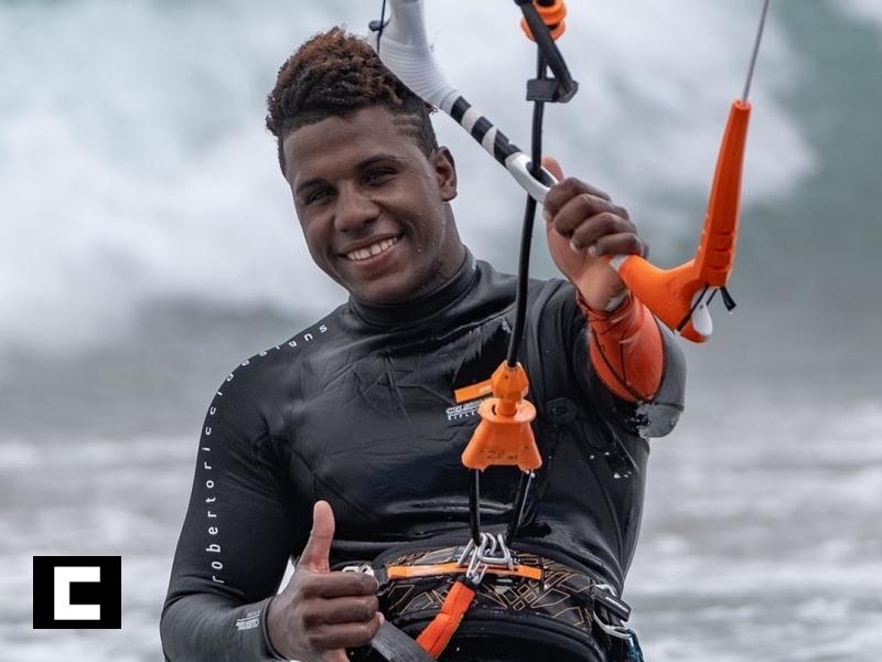 Dominicano Adeuri Corniel gana torneo mundial kitesurf