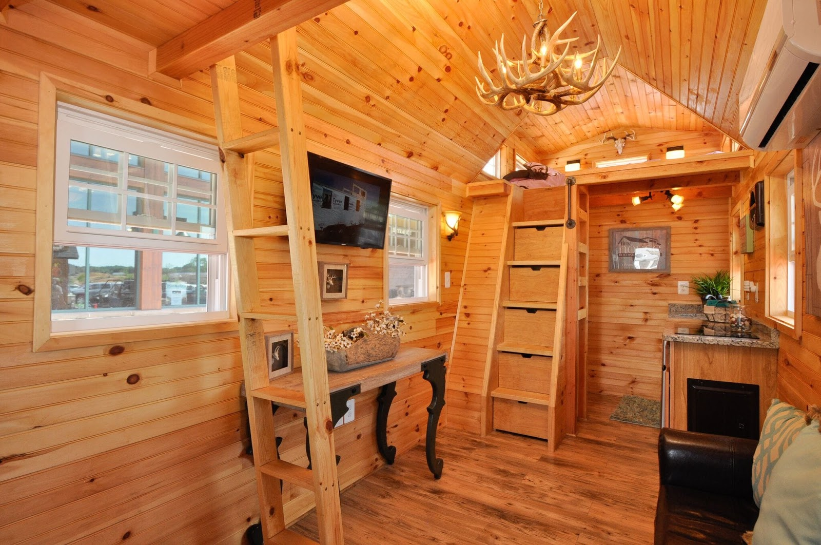 Tiny House Town The Mountaineer Tiny House 352 Sq Ft
