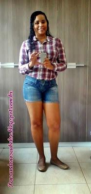 look camisa xadrez e short jeans