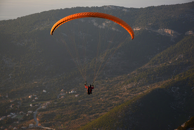 is a colina station nestled inwards the mountains of the Indian the world of Himachal Pradesh close t Paragliding places inwards Manali Himachal Pradesh