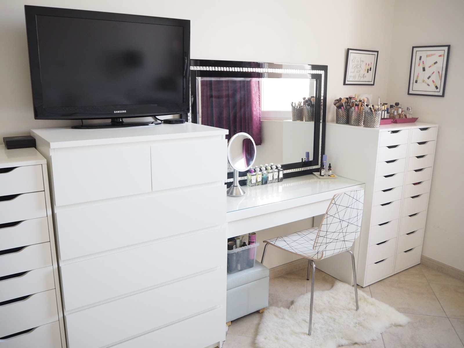 my make up storage vanity bedroom tour expat make up addict. Black Bedroom Furniture Sets. Home Design Ideas