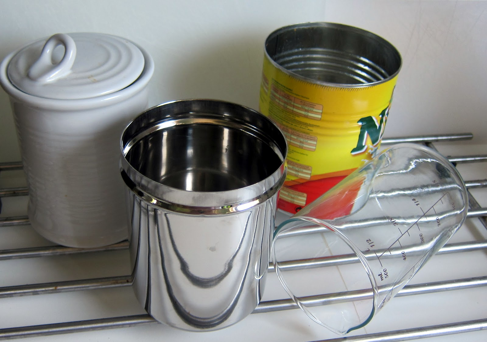 PRESSURE COOKER CONTAINERS