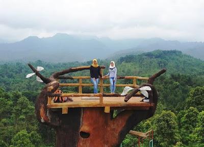 Bukit Gandrung Tanggulasi Medowo Kediri