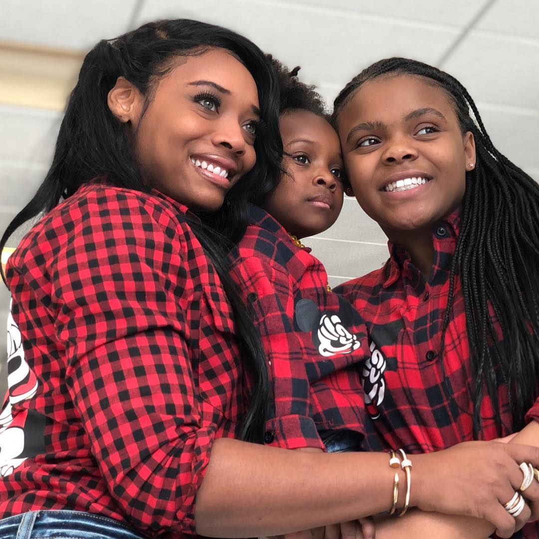 Yandy Smith Does Beautiful Natural Hair Photoshoot With Daughters