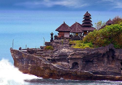 Pura Ulun Danu di Danau Beratan Bedugul, Tempat Menarik di Bali, Tempat Mesti dilawati di Pulau Bali Indonesia