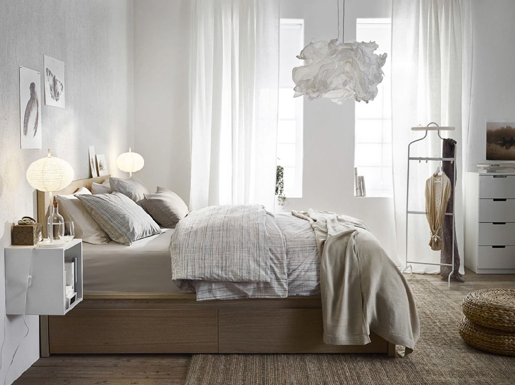 5 Awesome Tips To Make A Small Bedroom Look Attractive