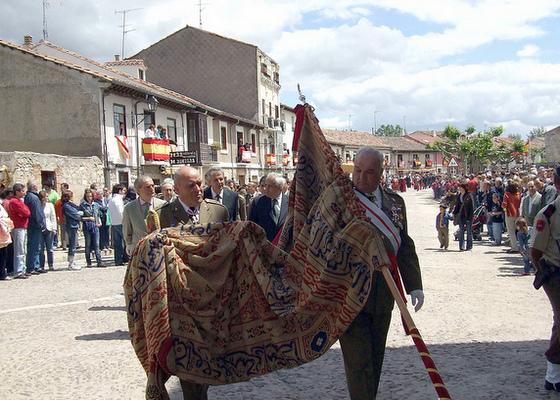 imagen_burgos_curpillos_huelgas_fiesta_procesion_autoridades_militares_pendon_navas