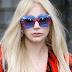 Às vésperas do Billboard Music Awards, a notícia que temos de Lady Gaga é sobre uma linha de maquiagem