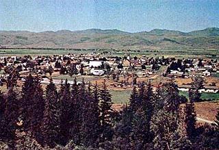"""<Imgsrc =""""Foto-de Oakley-Idaho.jpg"""" width = """"320"""" height """"219"""" border = """"0"""" alt = """"Oakley en Idaho."""">"""
