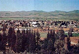 """<Img src =""""Foto-de Oakley-Idaho.jpg"""" width = """"320"""" height """"219"""" border = """"0"""" alt = """"Oakley en Idaho."""">"""
