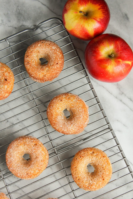 Baked Apple Cinnamon Doughnuts | The Chef Next Door #BrunchWeek