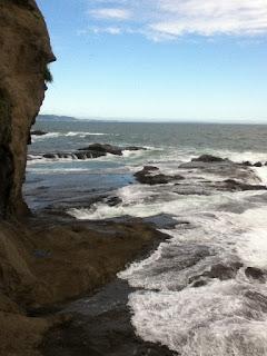 enoshima cave