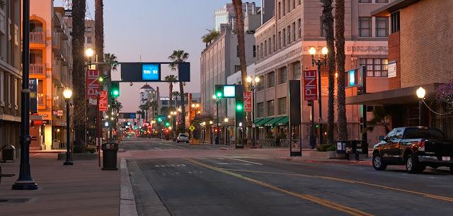 Compras na Pine Avenue em Long Beach