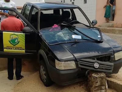 Veículo  de Pedra Lavrada se envolve em acidente por falta de freios