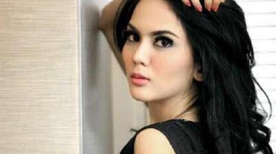 Anggita Sari Hot Foto