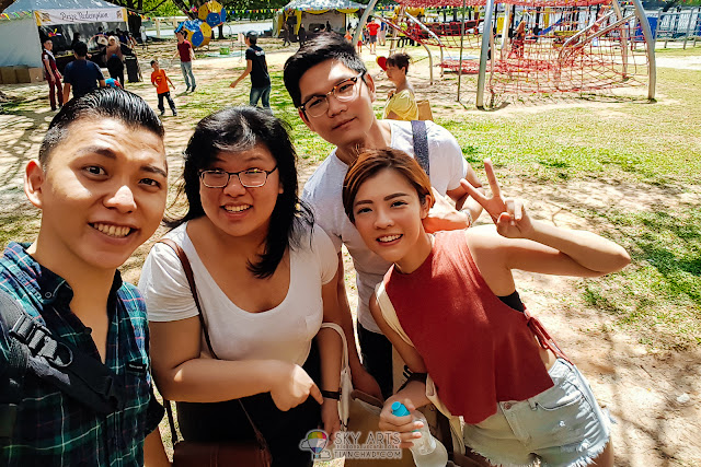 Selfie with buddies who went to OLDTOWN Timeless Big Picnic together =)