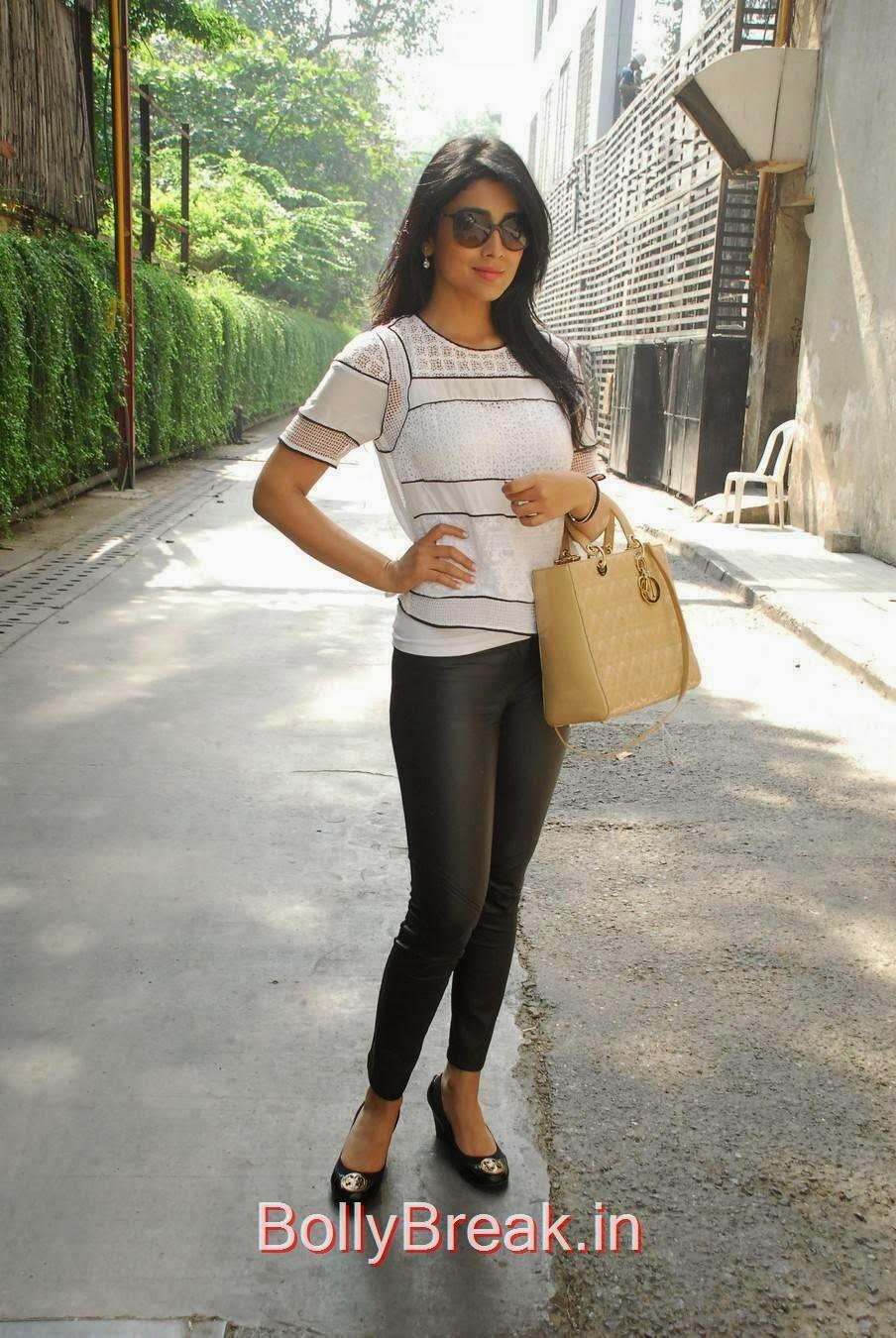 Shriya Saran Unseen Stills, Shriya Saran Hot Pics in Black Tight Leggings & Top at event