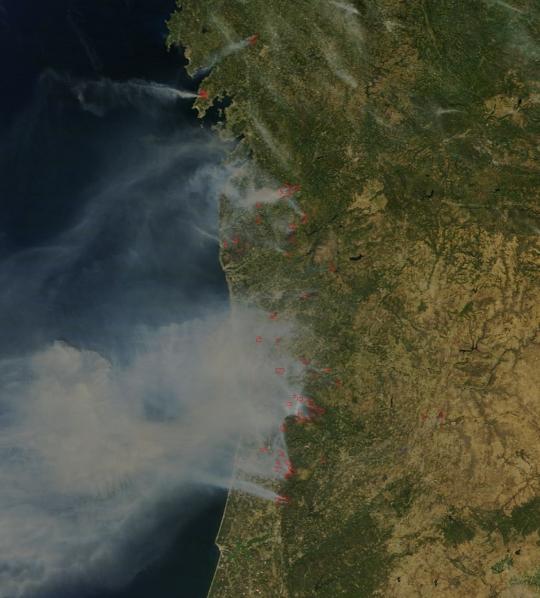 https://lance.modaps.eosdis.nasa.gov/imagery/subsets/?subset=AERONET_Autilla.2016224.terra.250m.jpg&vectors=fires