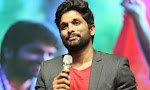 Allu Arjun at Oka Manasu Audio launch-thumbnail