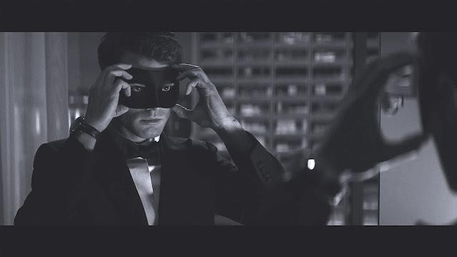 A sötét ötven árnyalata a nagy sikerű A szürke ötven árnyalata folytatása. Dornan oldalán természetesen visszatér a női főszereplő, Dakota Johnson.