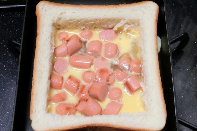 卵液を流し入れて卵をいじらずにそのまま焼く