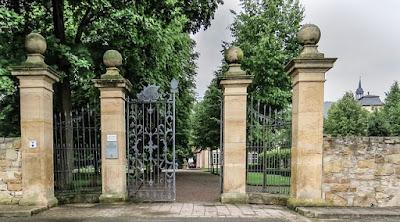 Beautiful Gated Backdrop