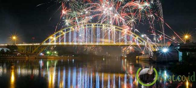Jembatan Tengku Agung Sultanah Latifah / Jembatan Siak (1.196 Meter)