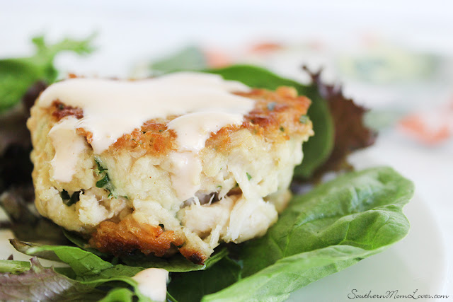 White Albacore Tuna Cakes with Sriracha Lemon Mayo
