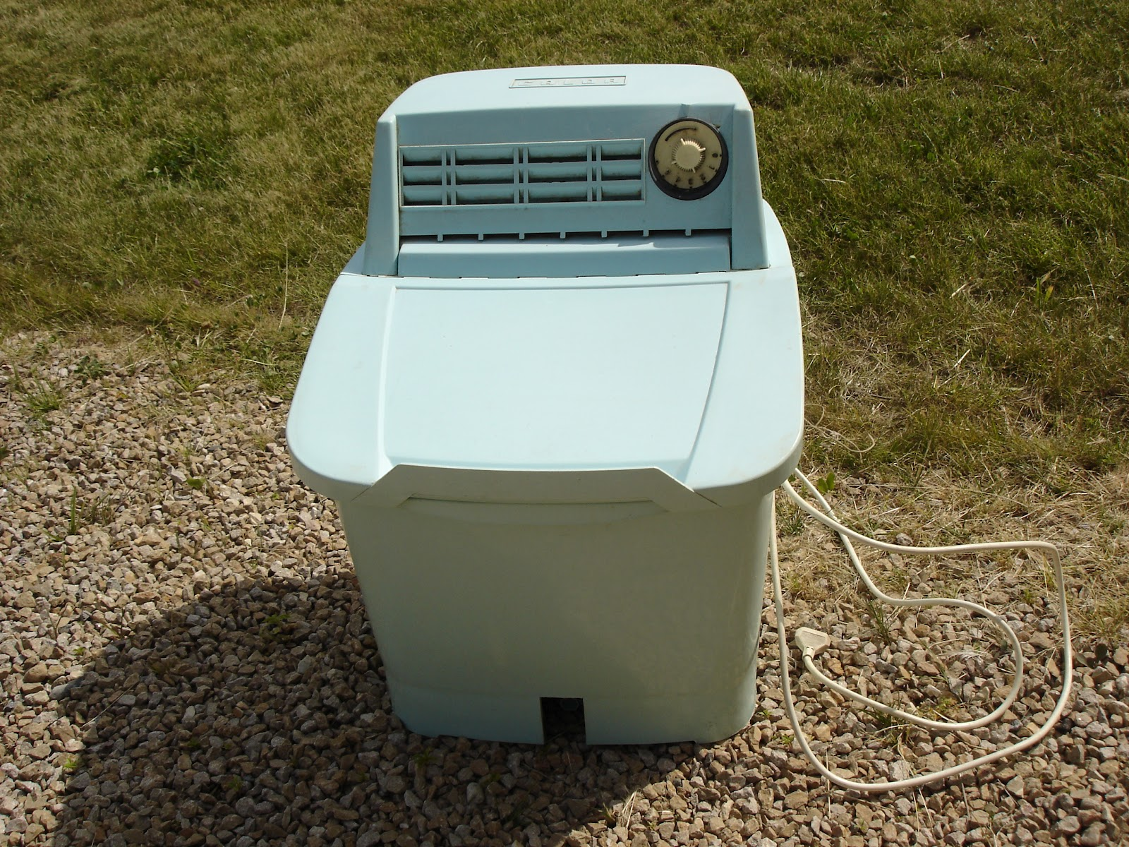 dressing grenier machine laver lectrique calor. Black Bedroom Furniture Sets. Home Design Ideas