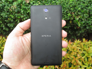 Sony Xperia ZR Seken RAM 2GB Camera 13MP IP58 Certified Water Resistant