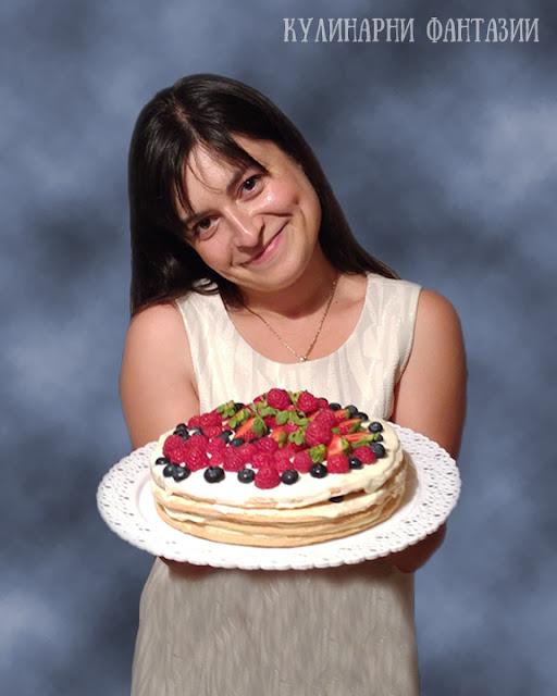 Торта Наполеон с малини и боровинки