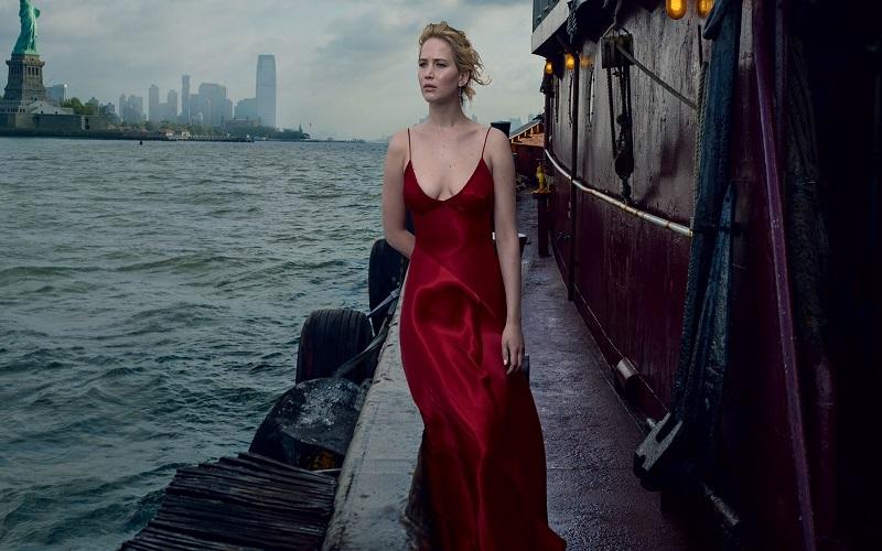 Dört Farkli Kapakla Jennifer Lawrence