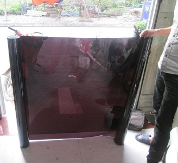 Decaldankinhhanoi.com chuyên cung cấp và thi công decal dán kính đen siêu đẹp