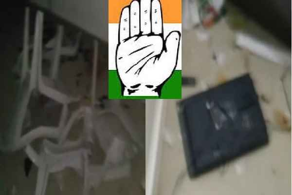 congress-demolishes-office-angry-due-to-ticket-distribution-gandinagar