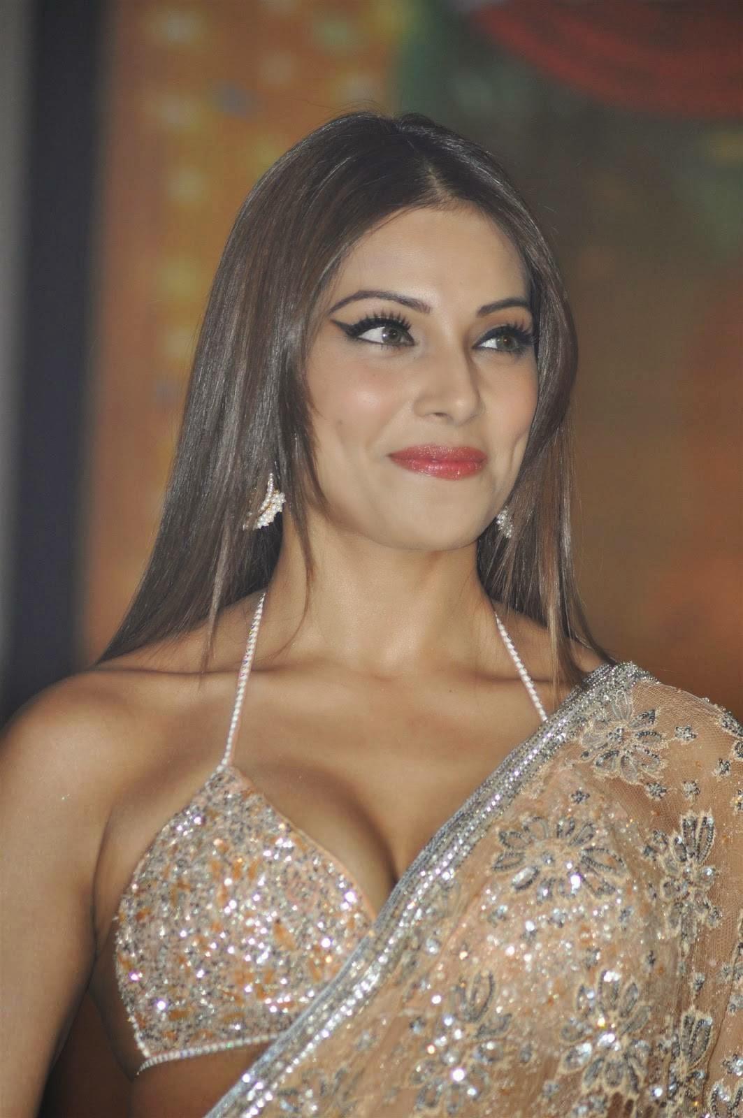 Sexy And Hot Bipasha Basu  Attractive Bollywood-6847