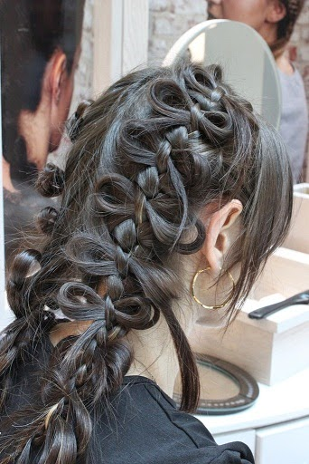 Asian Bribal hairstyle