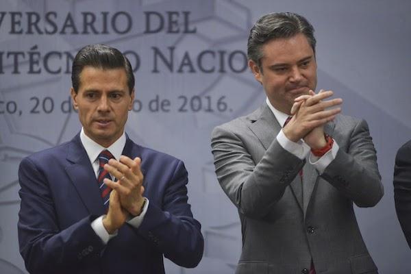 No saben 'ler', pero EPN y Nuño presumen la reforma educativa que dará resultados en 40 años