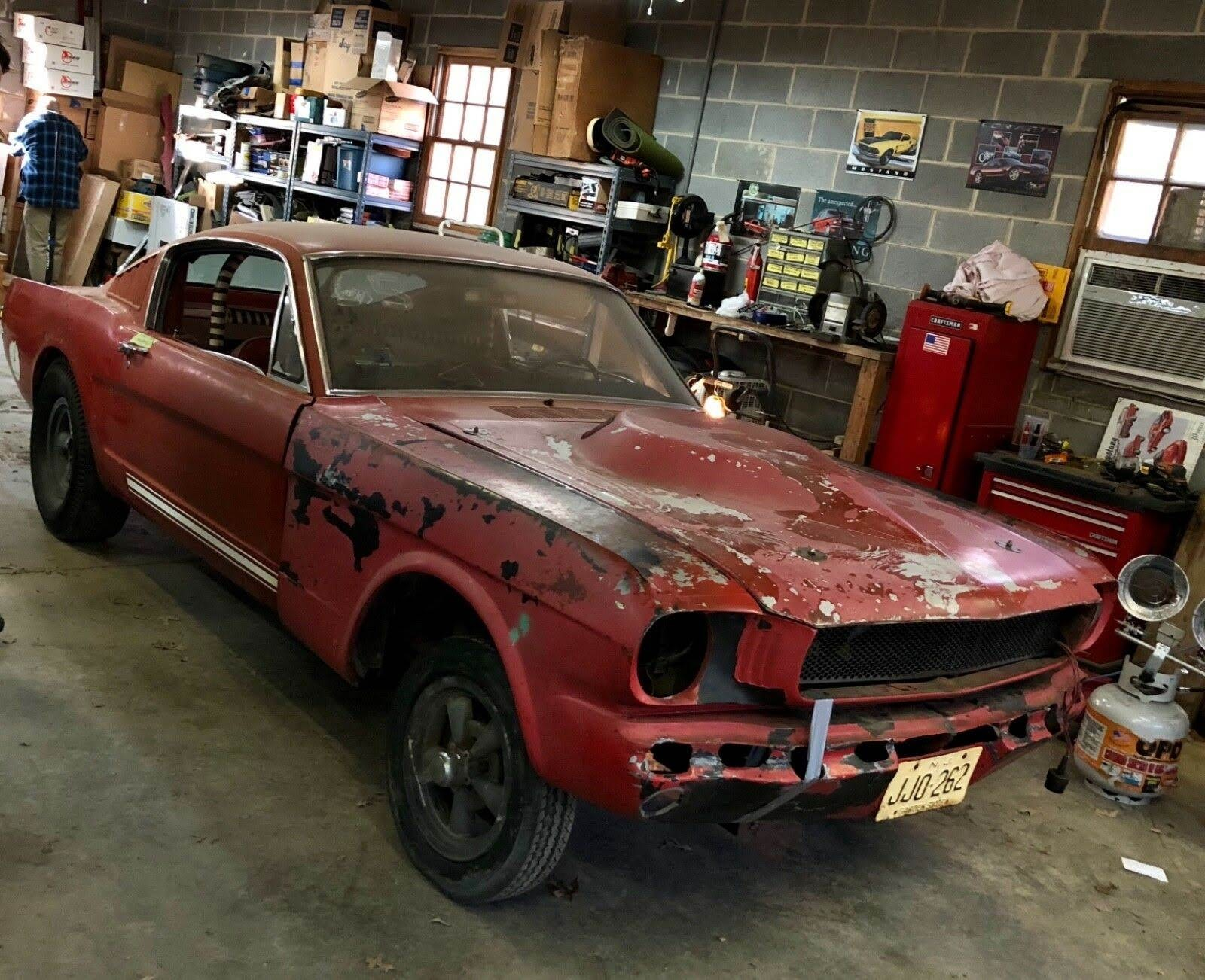 The car received a special gray paint color, a unique grille, fairlane door handles for the black interior, and finned cobra valve covers from the factory. Virginia Classic Mustang Blog For Sale 1965 Mustang Gt Fastback 289 Hipo K Code 3977 Original Miles