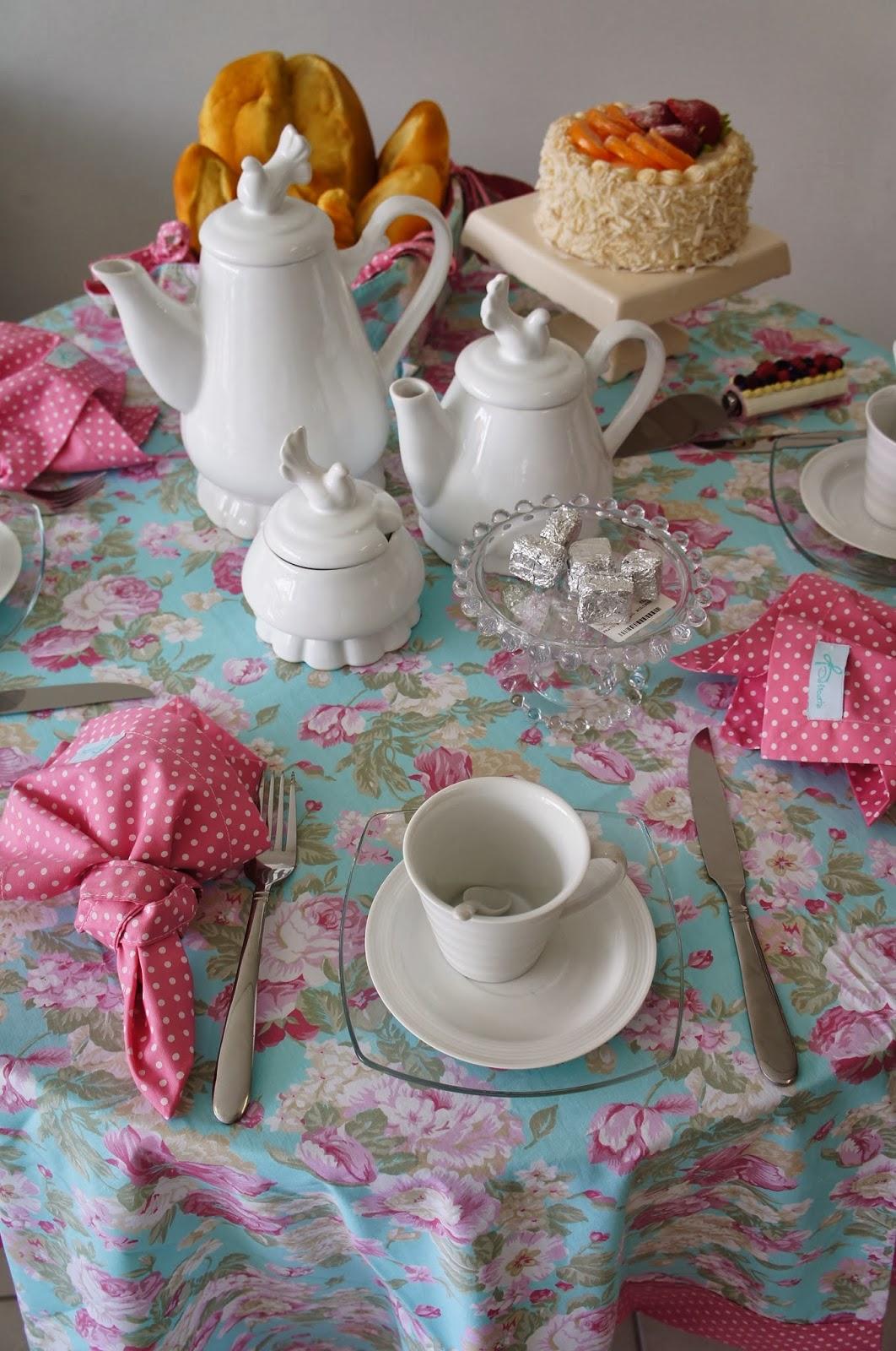 Mesa Posta de Caf  Blog da Monique Dreset