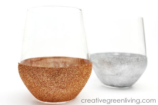 How to make stemless DIY glitter wine glasses with dishwasher safe Mod Podge
