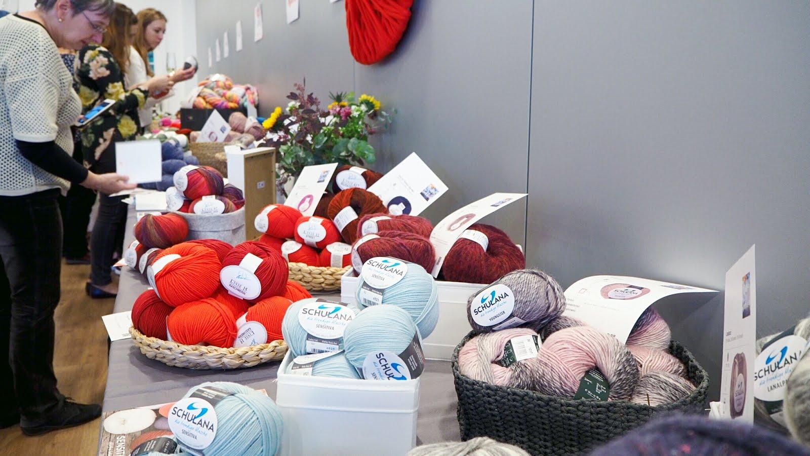 Wollbuffet beim Tag der Wolle beim OZ-Verlag in Freiburg