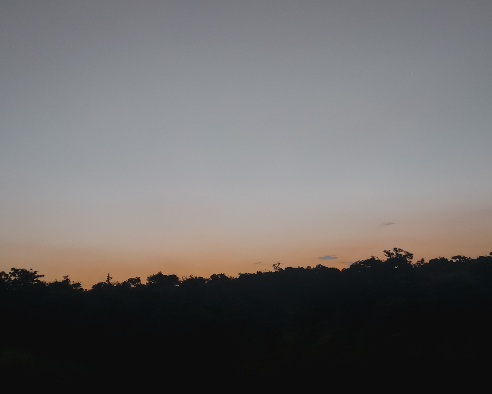 por do sol alaranjado
