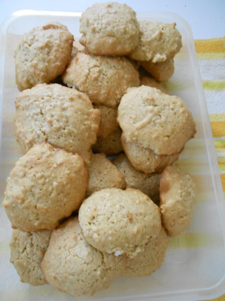 Cake Like Oatmeal Drop Cookies